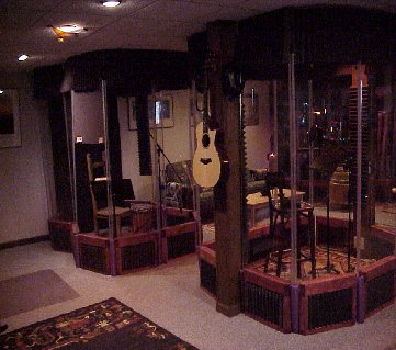 studioleft-2000